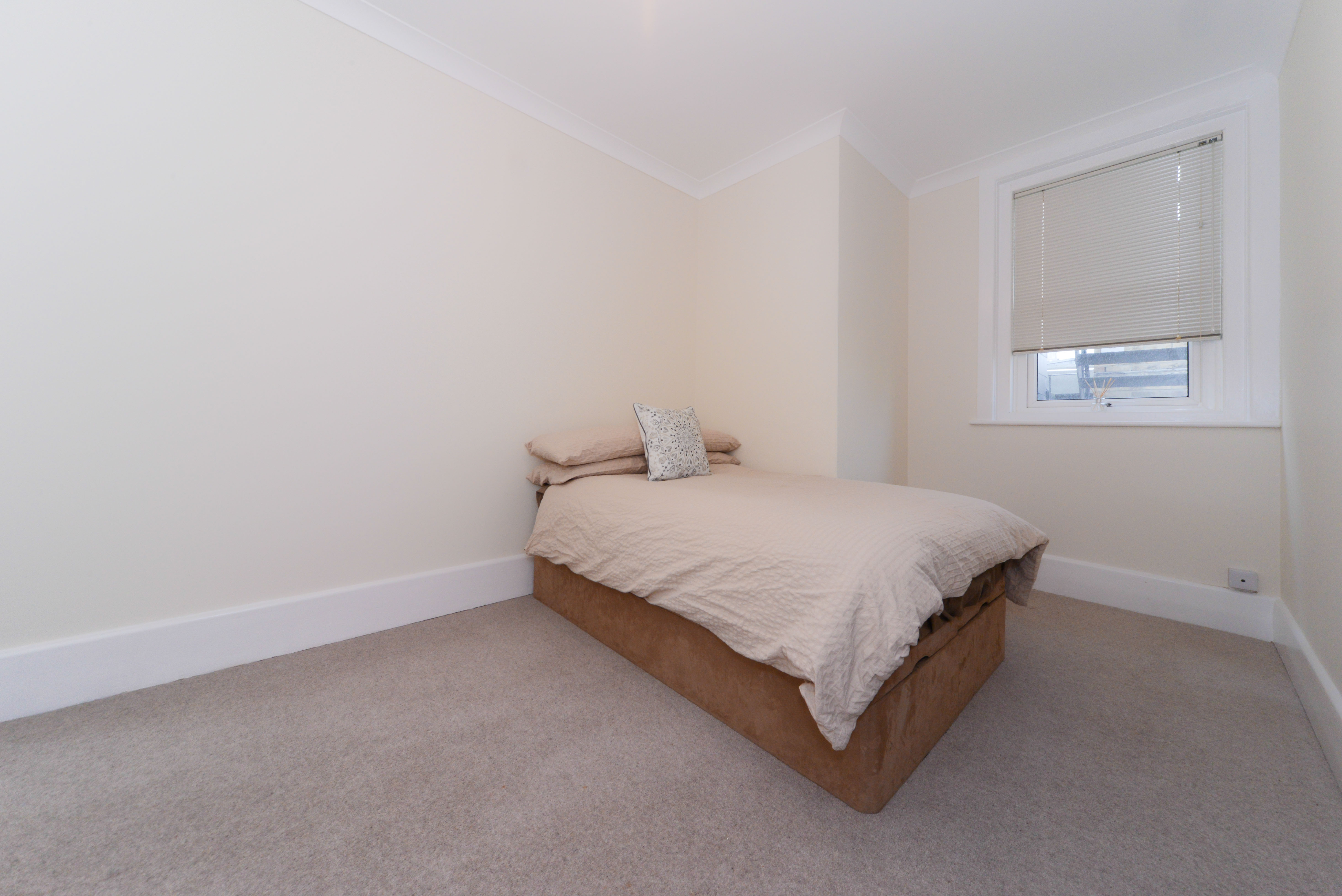 Tollard Court apartment-1